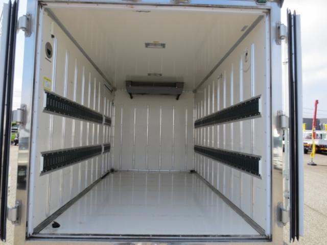 1.5t 冷蔵冷凍車(10枚目)