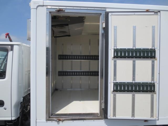 1.5t 冷蔵冷凍車(11枚目)