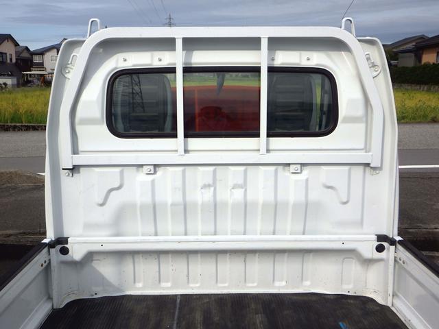 KUスペシャル パートタイム4WD 高低二段切替式 MT車 エアコン パワステ CD(3枚目)