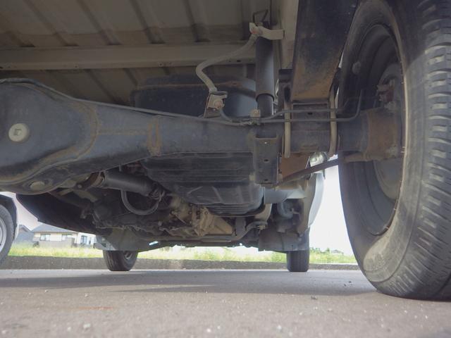 KUスペシャル パートタイム4WD 高低二段切替式 MT車 エアコン パワステ CD(5枚目)