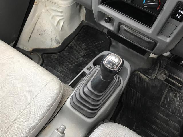 Vタイプ 4WD PS 5MT(9枚目)