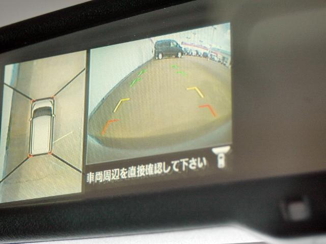 アラウンドビューモニター付きでバックも縦列駐車にも便利です。