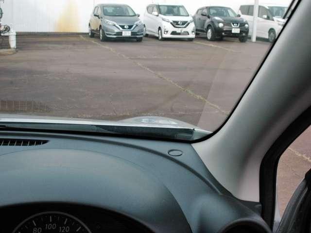 フロントフェンダーが盛り上がっていますので運転席から車両感覚がつかみやすくなっています。
