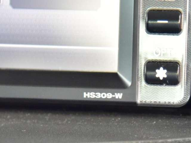 日産純正ナビゲーションHS309D-Wが付いています。