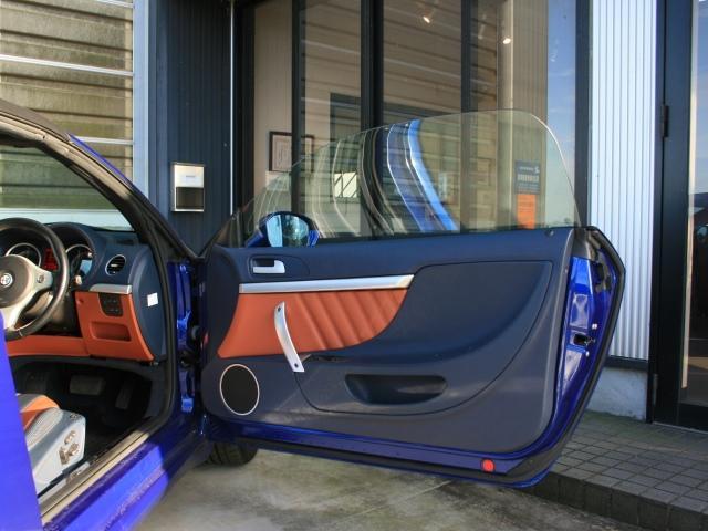 3.2 JTS Q4 Qトロ ディスティンク 右ハンドル スポーツモード付AT車(15枚目)