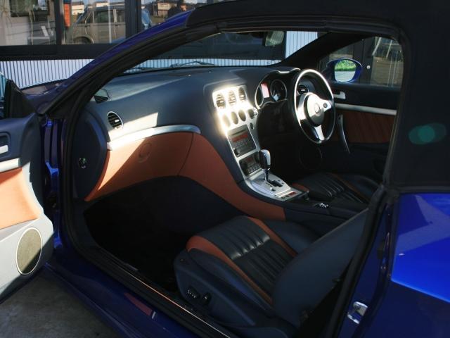 3.2 JTS Q4 Qトロ ディスティンク 右ハンドル スポーツモード付AT車(18枚目)