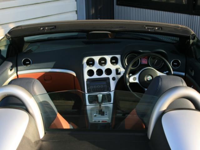 3.2 JTS Q4 Qトロ ディスティンク 右ハンドル スポーツモード付AT車(19枚目)