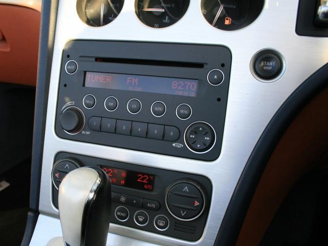 3.2 JTS Q4 Qトロ ディスティンク 右ハンドル スポーツモード付AT車(21枚目)