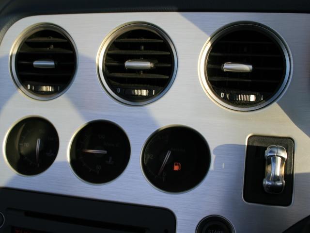 3.2 JTS Q4 Qトロ ディスティンク 右ハンドル スポーツモード付AT車(22枚目)