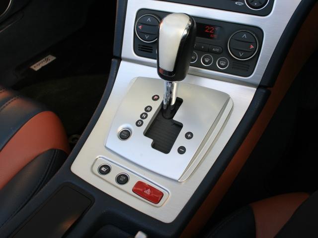 3.2 JTS Q4 Qトロ ディスティンク 右ハンドル スポーツモード付AT車(23枚目)