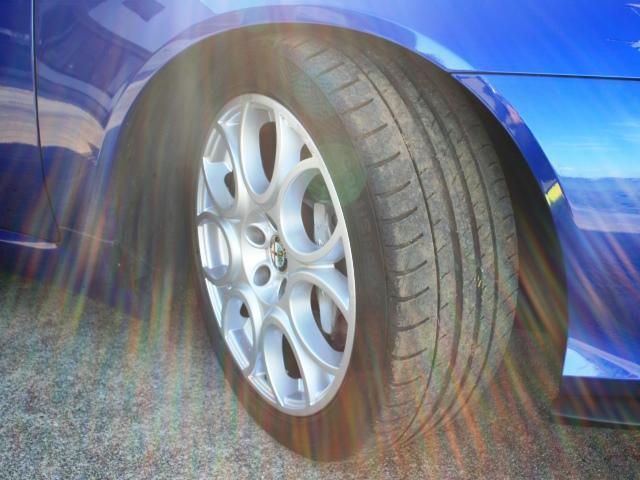 3.2 JTS Q4 Qトロ ディスティンク 右ハンドル スポーツモード付AT車(43枚目)