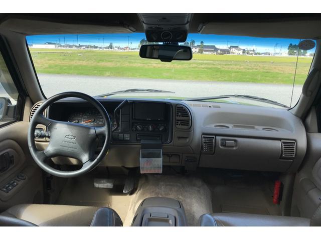 シボレー シボレー サバーバン LT 新車並行国内ワンオーナー 実走行車 4WD
