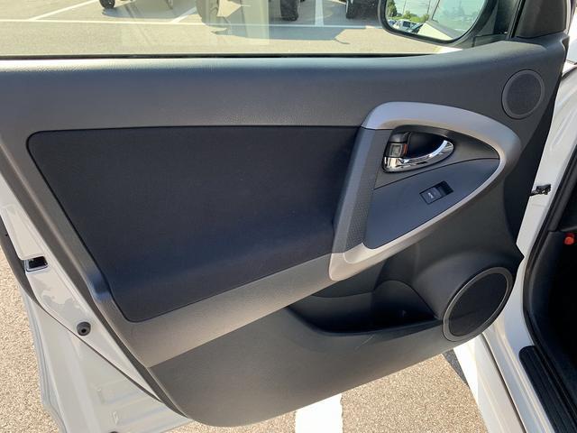 「トヨタ」「RAV4」「SUV・クロカン」「富山県」の中古車32