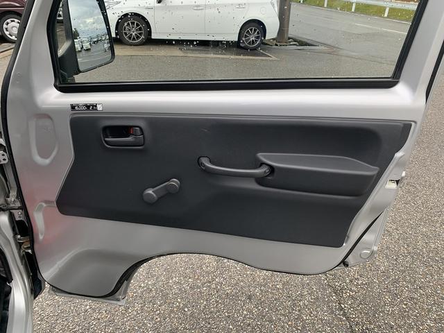KCエアコン・パワステ 4WD 5MT 新品タイヤ エアバック(13枚目)
