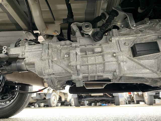 KCエアコン・パワステ 4WD 5MT 新品タイヤ エアバック(28枚目)