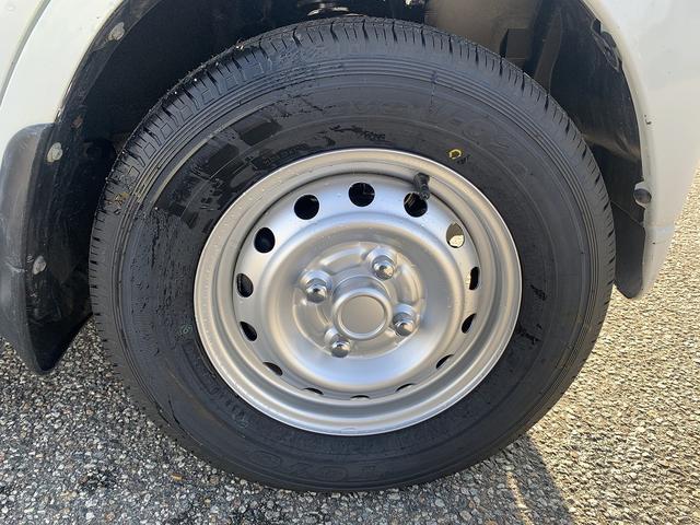 ダンプ 4WD エアコン パワステ 5MT 新品タイヤ(13枚目)