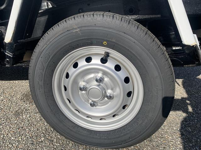 ダンプ 4WD エアコン パワステ 5MT 新品タイヤ(15枚目)