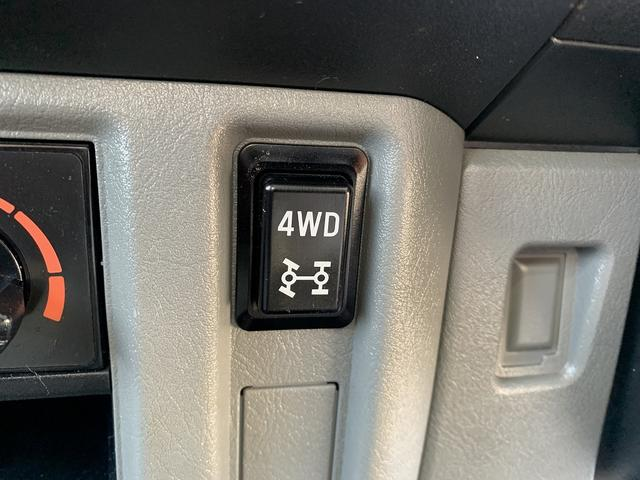 ダンプ 4WD エアコン パワステ 5MT 新品タイヤ(33枚目)