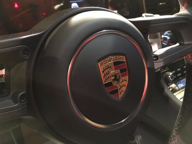 911GT3 クラブスポーツ Fリフト レザーインテリア(20枚目)