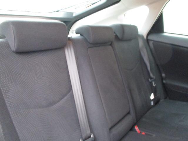 コックピットです。座り心地の良いシート!是非お座り下さい!長時間ドライブも疲れません!