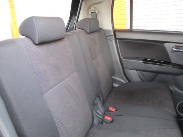 中古車にありがちなステアリングのスレ、シミ等ありません。ご安心ください。