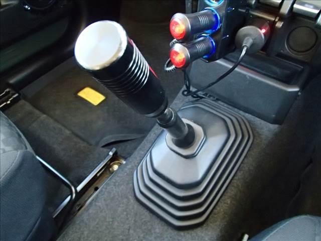 XG 切替4WD 5速MT リフトアップ 16AW オーバーフェンダー 電動ウインチ フルセグナビ FSRカメラ ドラレコ LEDライト&フォグ フロントグリル テールレンズ マフラー エアクリーナー(30枚目)