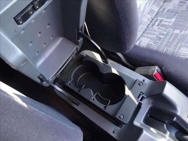 ダブルキャブAX ピッアップ ディーゼルターボ 切替4WD 5速マニュアル車 キーレス ワイパーデアイサー オートAC(16枚目)