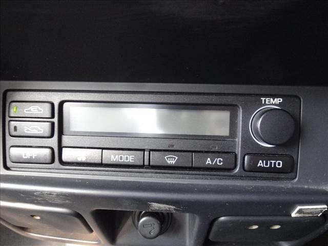ダブルキャブAX ピッアップ ディーゼルターボ 切替4WD 5速マニュアル車 キーレス ワイパーデアイサー オートAC(31枚目)