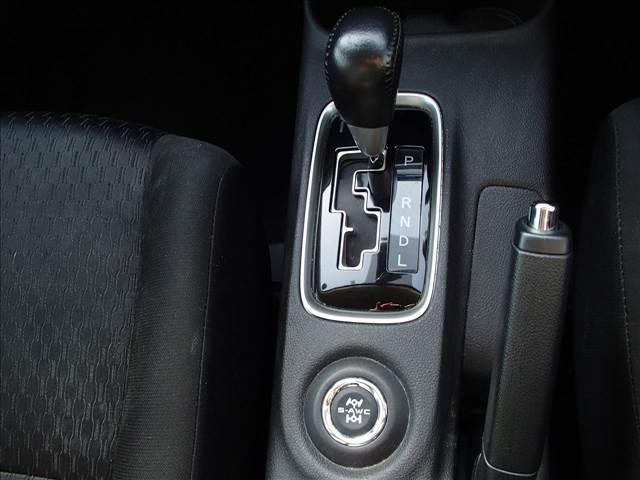 24Gナビパッケージ 4WD 軽減ブレーキ レーダークルーズ フルセグナビ フリップダウンM サイド&バックカメラ ETC パワーバックドア HIDオートライト プッシュスタート ブルートゥース(28枚目)