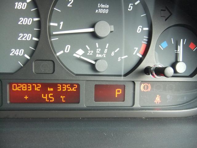 アイドリング、水温も安定しています。警告灯の点灯も一切ありません。文字メッセージの文字欠けもありません。