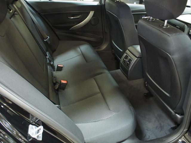 BMW BMW 318i衝突軽減ブレーキ車線逸脱警告