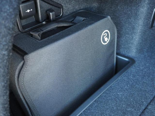 330eラグジュアリーアイパフォーマンス ワンオーナー 認定中古車 サドルブラウンレザー レーンチェンジワーニング ストレージパッケージ アクティブクルーズコントロール リアビューカメラ コンフォートアクセス シートヒーティング(22枚目)