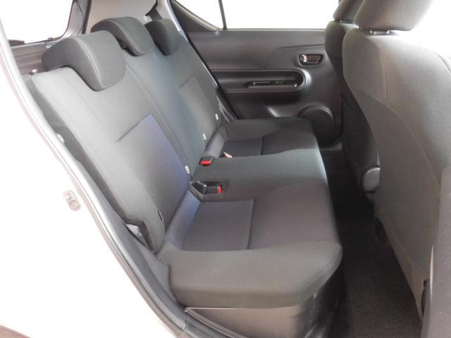 トヨタ アクア S キーレスエントリー ETC CD再生機能