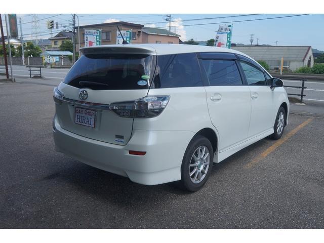トヨタ ウィッシュ 1.8X 4WD 走行少ない