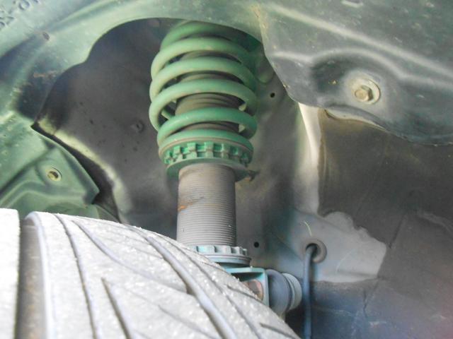 ハイブリッドV TEIN車高調 9インチナビ おくだけ充電(18枚目)
