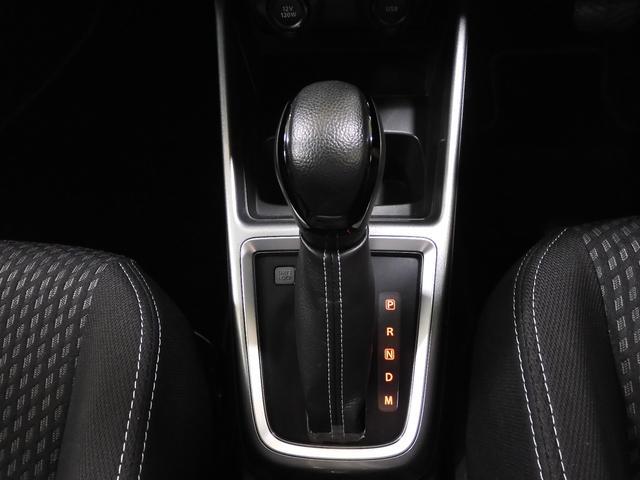 フロアCVTシフトです♪スムーズな加速で遠出ドライブも快適に楽しめますね☆マニュアルモード付きで、スポーツ感覚でもドライビングが楽しめます♪