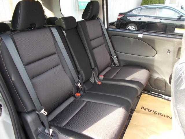 日産 セレナ ハイウェイスター 4WD