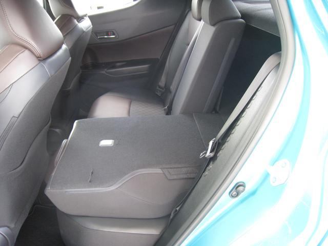 トヨタ C-HR G-T 元当社試乗車 4WD ハーフレザーシート LED