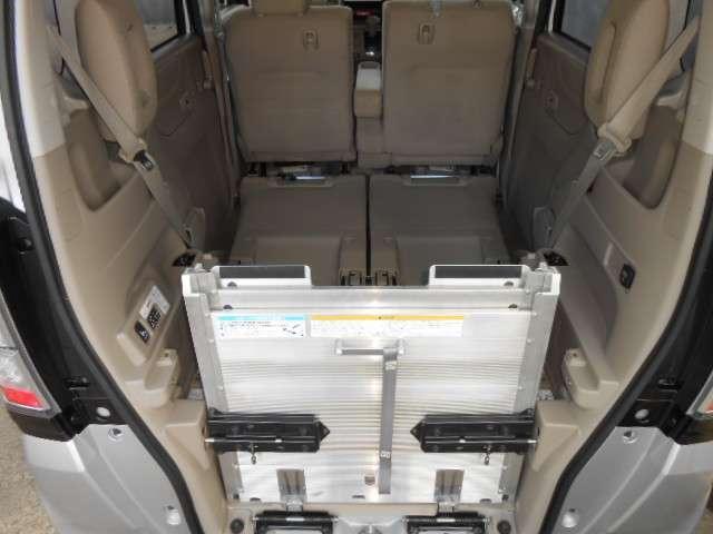 G 福祉車両 車いす仕様車 スロープ アイドリングストップ(3枚目)