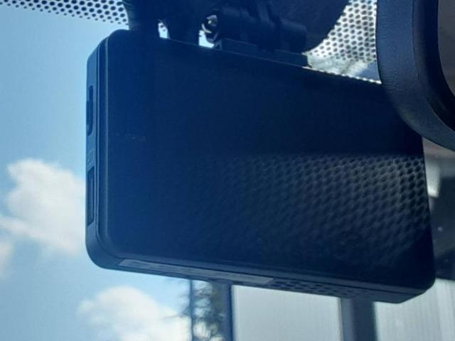S 純正 7インチ メモリーナビ/ヘッドランプ HID/ETC/EBD付ABS/横滑り防止装置/アイドリングストップ/TV/エアバッグ 運転席/エアバッグ 助手席/エアバッグ サイド/アルミホイール(14枚目)