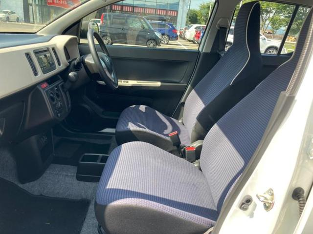 4WD GL EBD付ABS/横滑り防止装置/アイドリングストップ/エアバッグ 運転席/エアバッグ 助手席/パワーウインドウ/キーレスエントリー/シートヒーター 前席/パワーステアリング/4WD/マニュアルエアコン(6枚目)