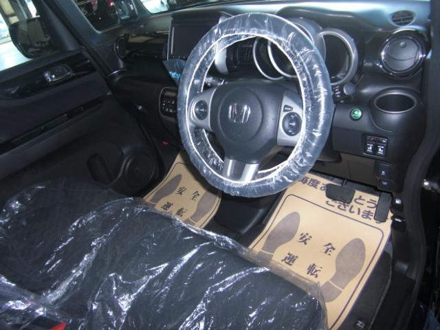 ホンダ N BOXカスタム G・ターボAパッケージ 4WD あんしんパッケージ
