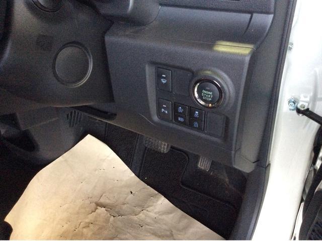 プッシュボタンスタート/安心・安全運転をサポートスマアシ機能スイッチ。