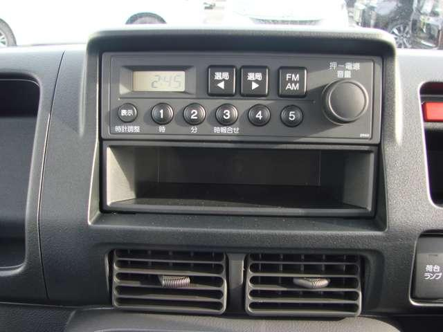 SDX 4WD 5速マニュアル車 パワステ エアバッグ ABS 作業灯 届出済未使用車 車検令和4年9月(11枚目)