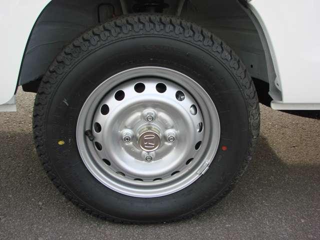 SDX 4WD 5速マニュアル車 パワステ エアバッグ ABS 作業灯 届出済未使用車 車検令和4年9月(13枚目)