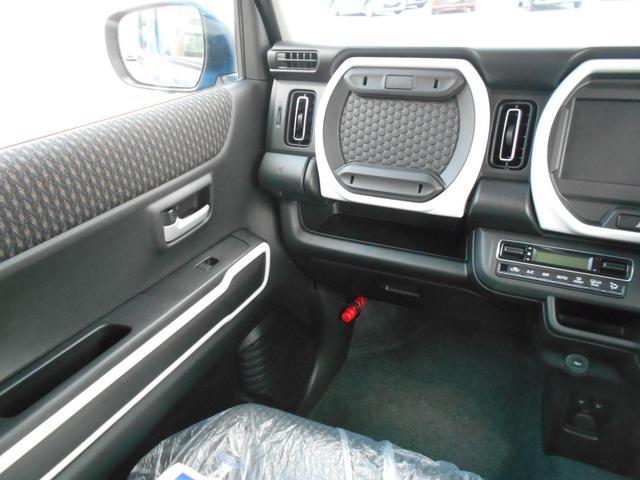 ハイブリッドX LEDヘッドライト シートヒーター 全方位モニター付き プッシュスタート 届出済未使用車(12枚目)