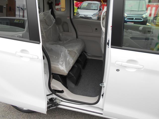 M e-アシスト シートヒーター 衝突被害軽減ブレーキ スライドドア アイドリングストップ 届出済未使用車(9枚目)