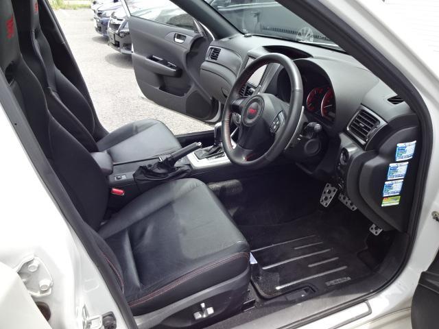 WRX STI Aライン4WD ブレンボキャリパー Bレザー(11枚目)
