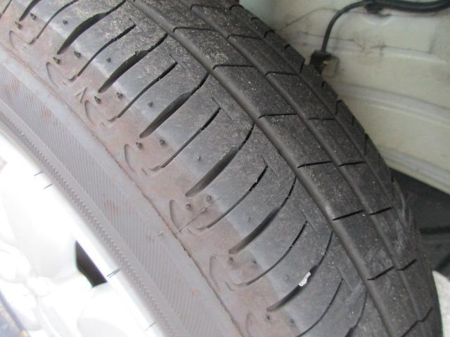 タイヤの溝ご確認ください