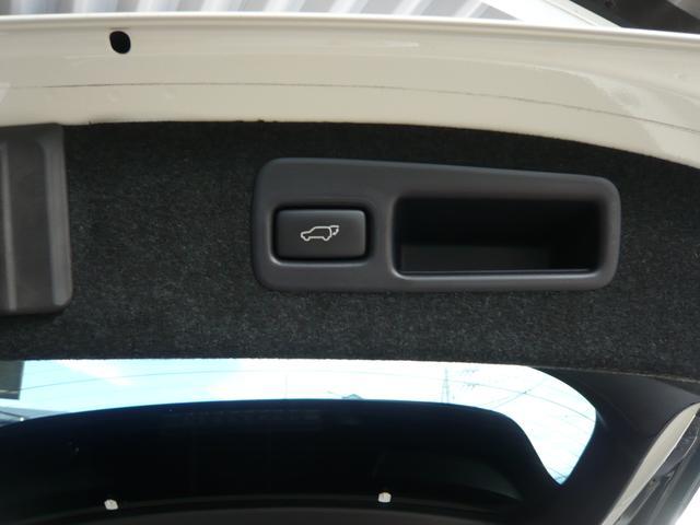 プレミアム アドバンスドパッケージ 4WD ナビTV バックカメラ 全周囲カメラ モデリスタエアロ 革シート パワーシート オートクルーズ コーナーポール レーンアシスト オートマチックハイビーム オートライト パワーバックドア(34枚目)